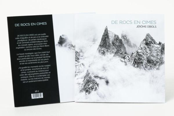 livre photo montagne noir et blanc