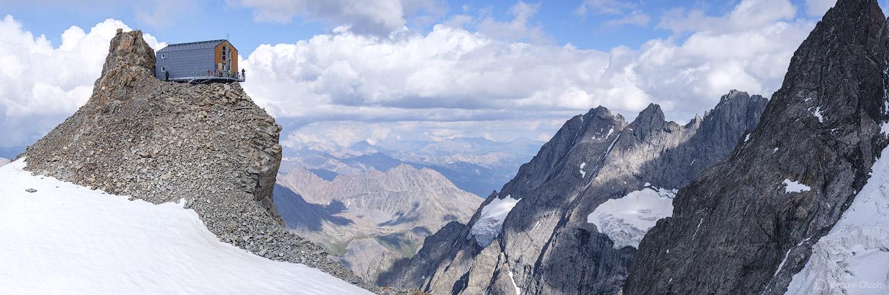 Vue panoramique du refuge de l'Aigle