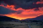 Ciel en feu au dessus de la vallee